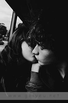 ban co dam yeu voi mot mat nham mot mat mo Bạn có dám yêu với một mắt nhắm, một mắt mở? goiyeu.net